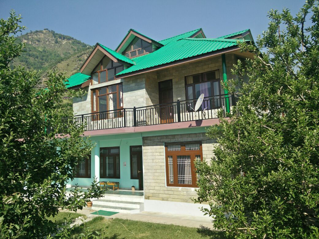 Five bedroom cottage in kullu manali for 5 bedroom cottages